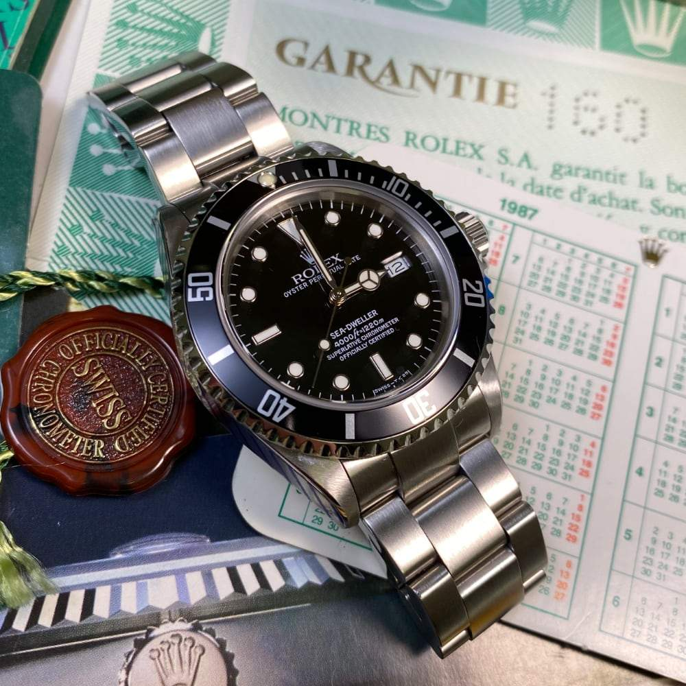 Rolex Sea Dweller 16660 •Triple Six• (1989)