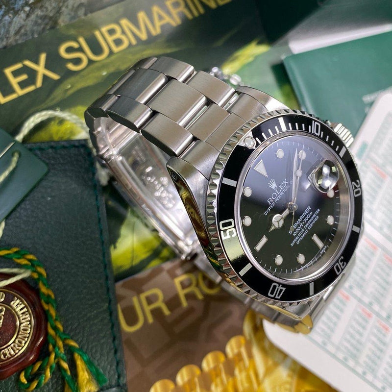 Rolex Submariner 16610 Date •SWISS DIAL• (1999 - A Serial)