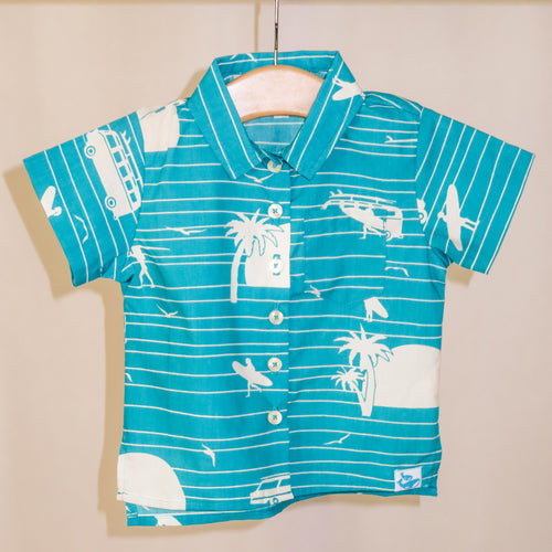 Children's Cosmo shirt in Surf's Up (teal)