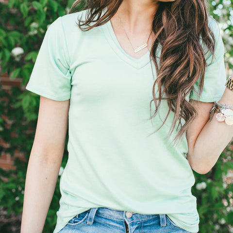EVERLY, DOUBLE V-NECK IN MINT