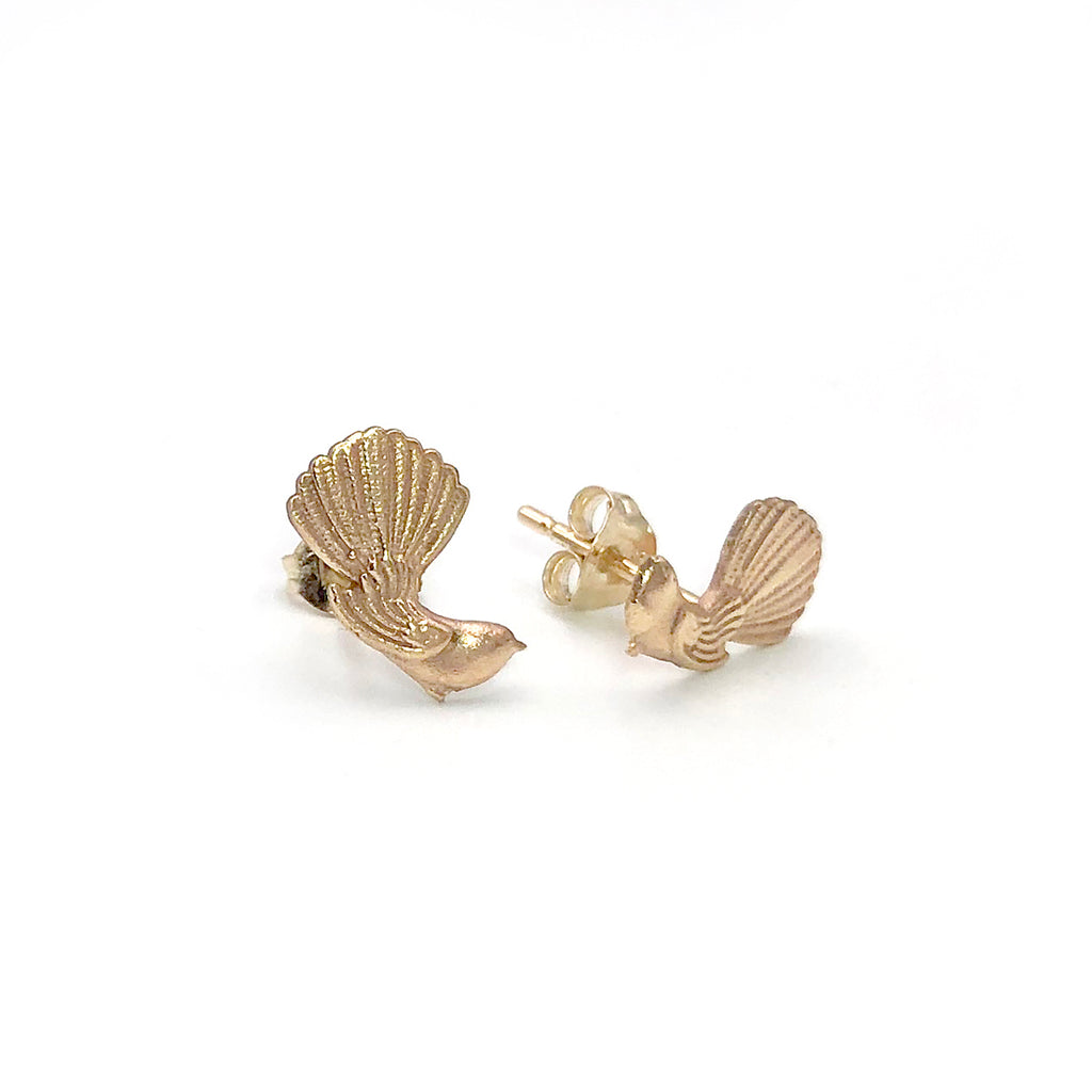 9 carat Yellow Gold Fantail Studs