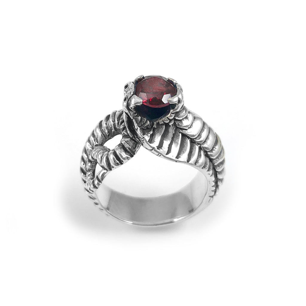 Cobra ring with Garnet