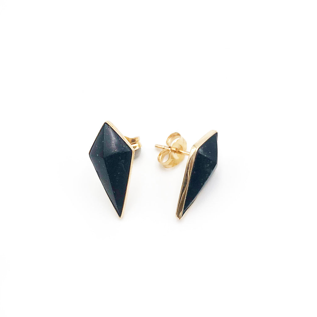 14 carat Gold Black Pounamu Pinnacle Studs