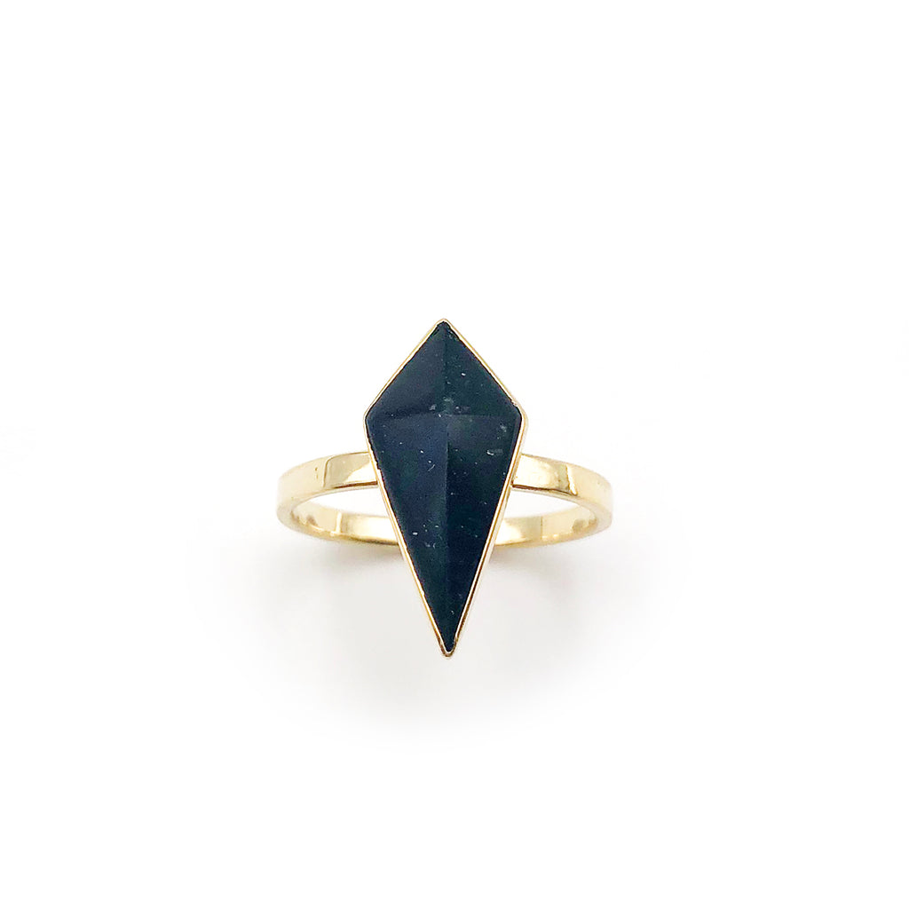 14 carat Gold Black Pounamu Pinnacle Ring