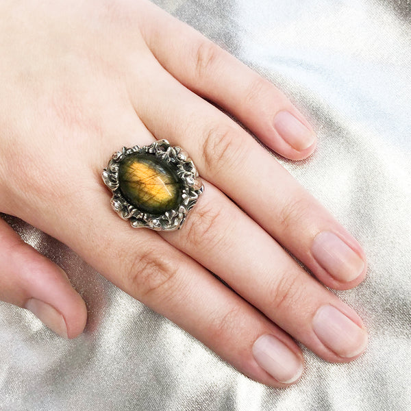 Golden Labradorite Froggy Ring