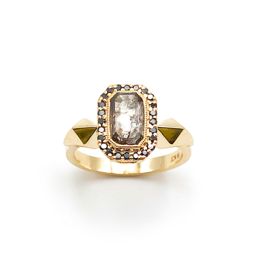 Heritage Ring with Clear Peppery Diamond and Black Diamonds in 9 carat Yellow Gold