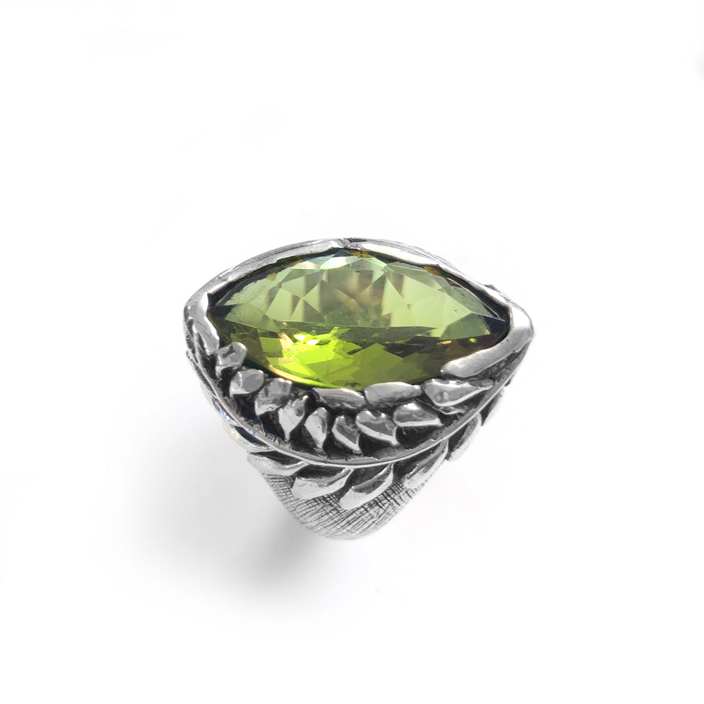 Pink/Green Colour-change Zultanite Kowhai Ring