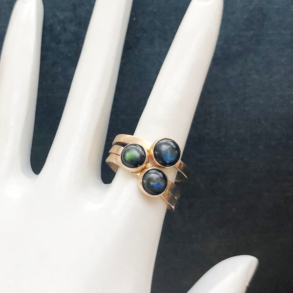 Rainbow Labradorite 3 Muses Ring in 9 carat Yellow Gold