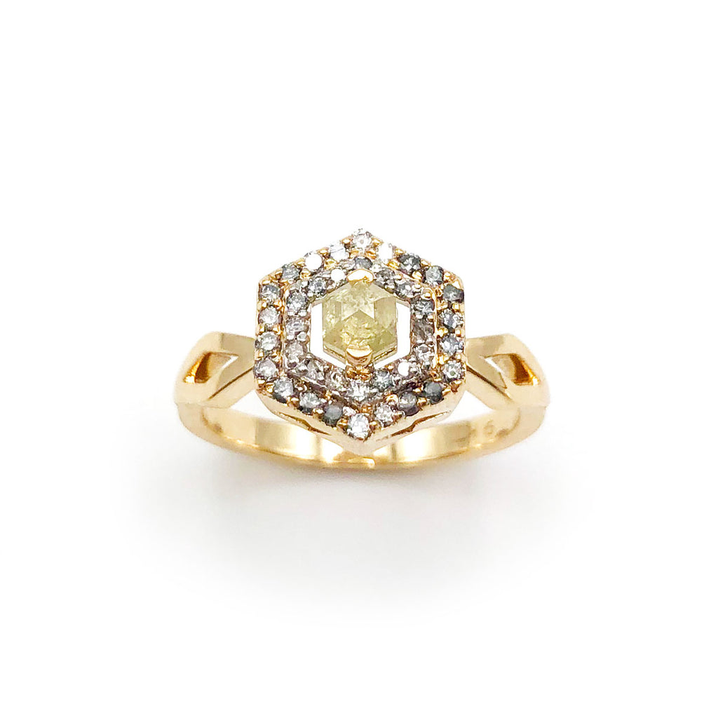 Space Odyssey Ring with character Champagne Diamond in 9 carat Yellow Gold