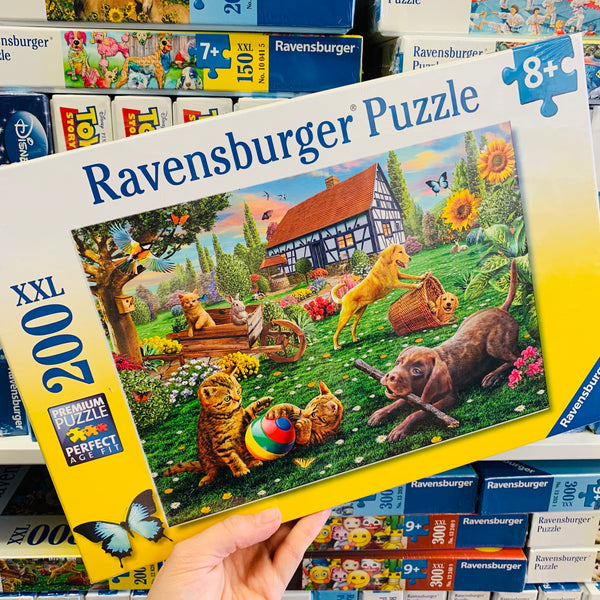 Playing In The Yard Puzzle 200pc - Ravensburger