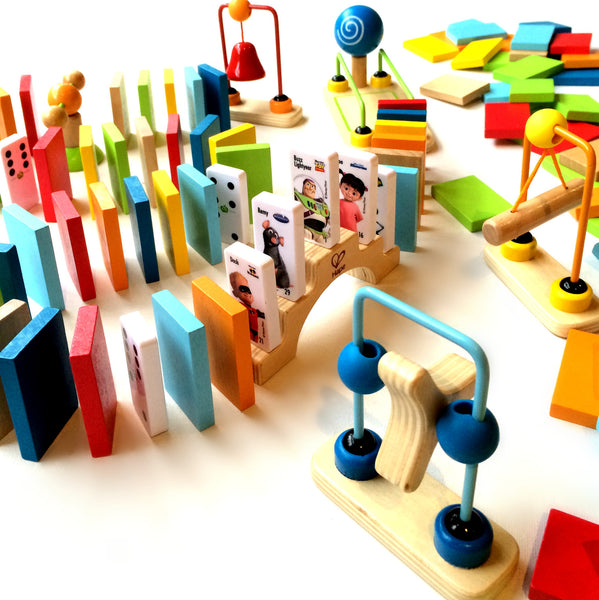 Hape Dynamo Dominoes Set