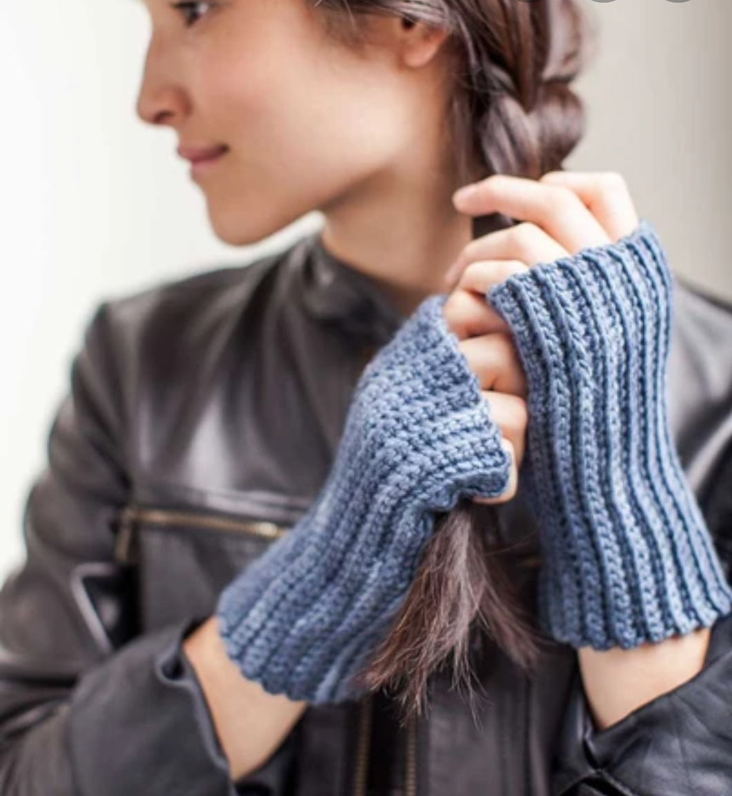 Crochetet Handwarmers: 1 stitch 3 ways