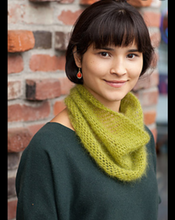Load image into Gallery viewer, Crocheted Moebius Cowl