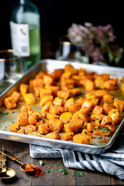 You're gonna love this vegan and paleo recipe for roasted butternut squash with smoked paprika and turmeric