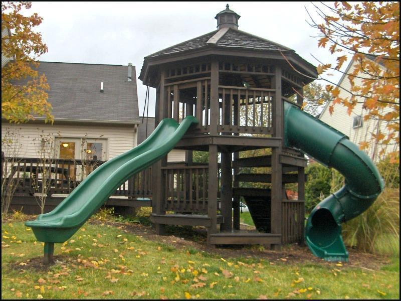 Charming Swing Set With Trampoline