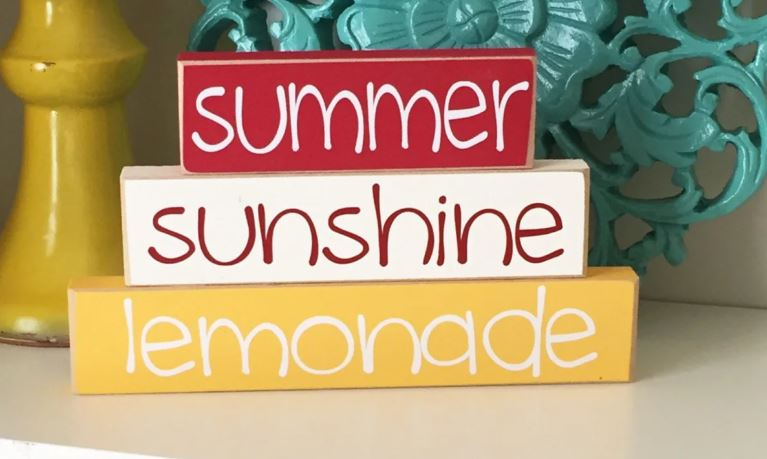 Summer Stacked Signs under $24 (Perfect for Brightening Up A Room!)
