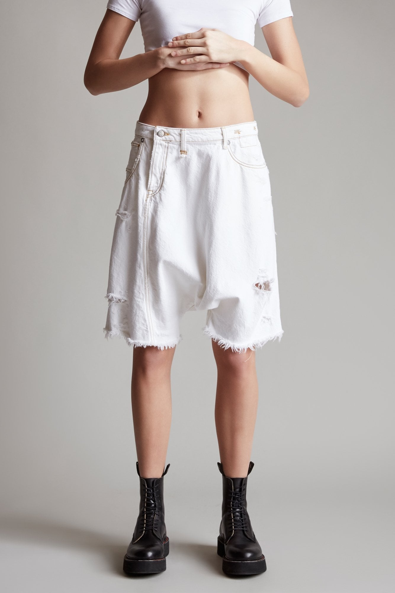 Twister Short– Caspar White