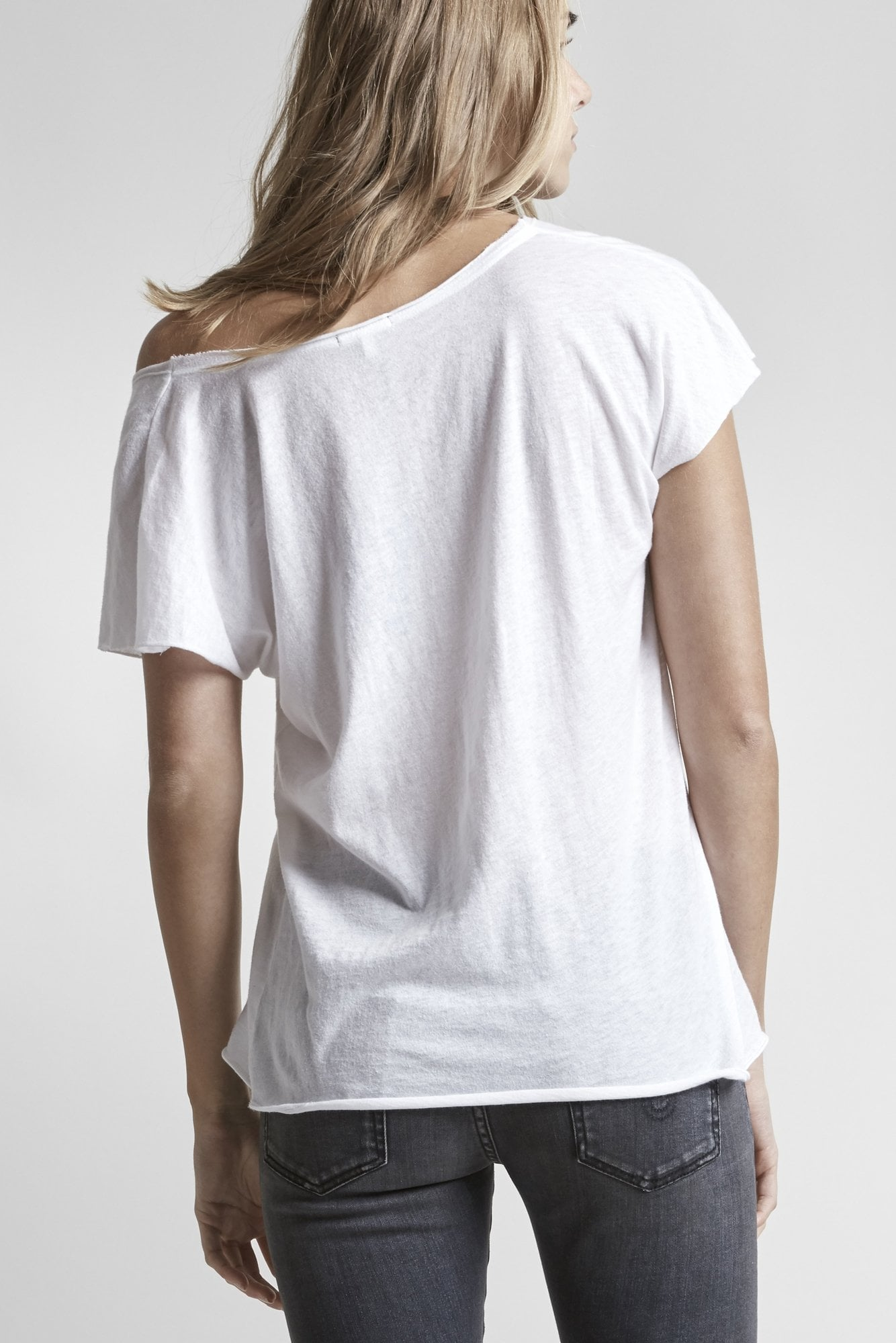 Asymmetrical V-Neck Kurt Tee - White