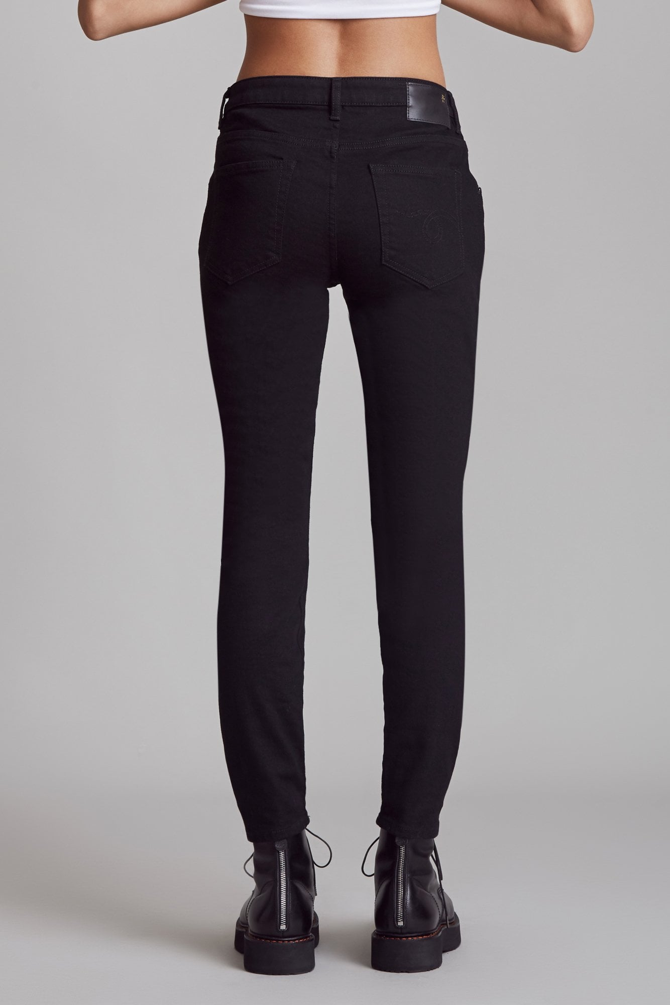 Mid-Rise Boy Skinny - Rinsed Black