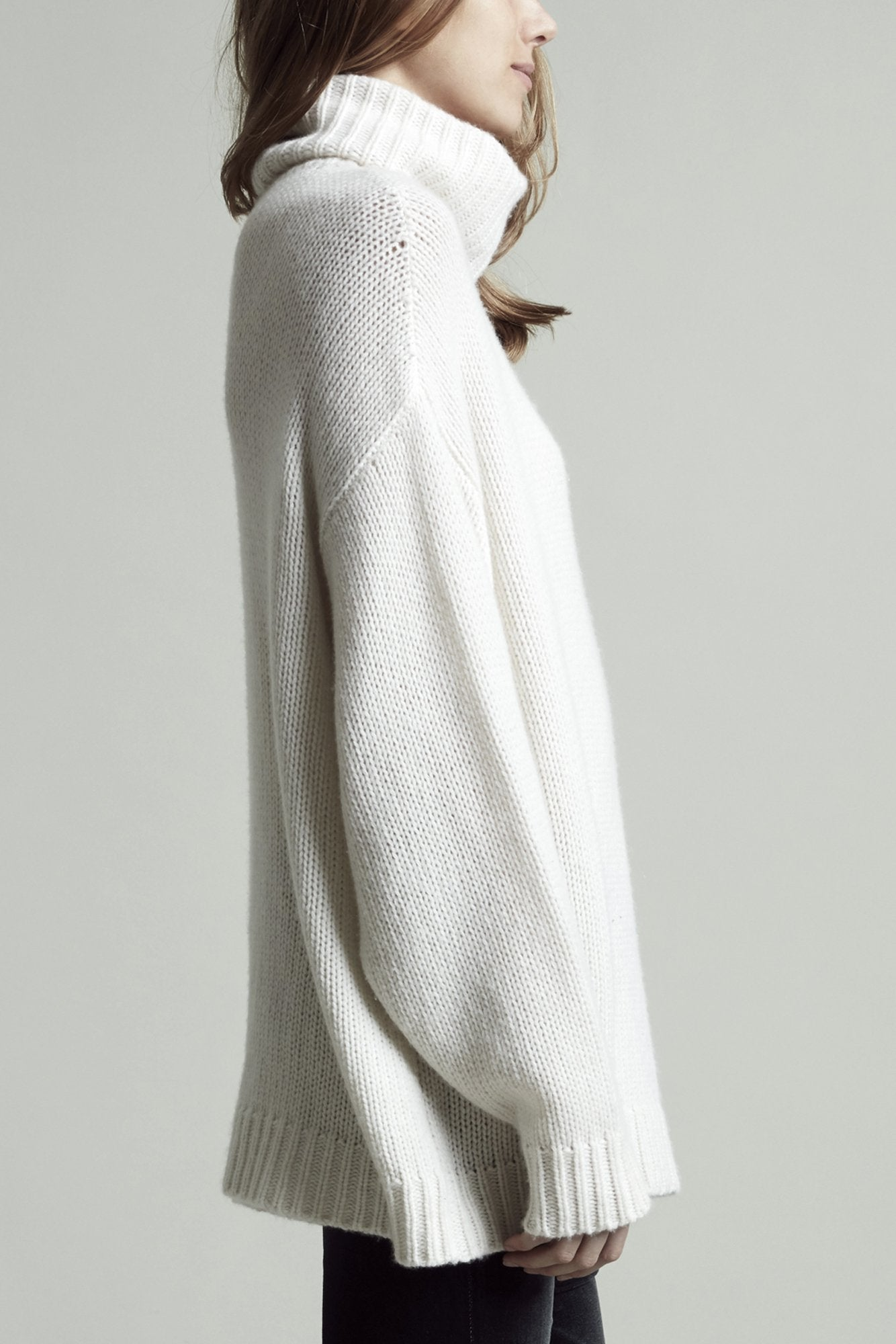 Cashmere Turtleneck - White