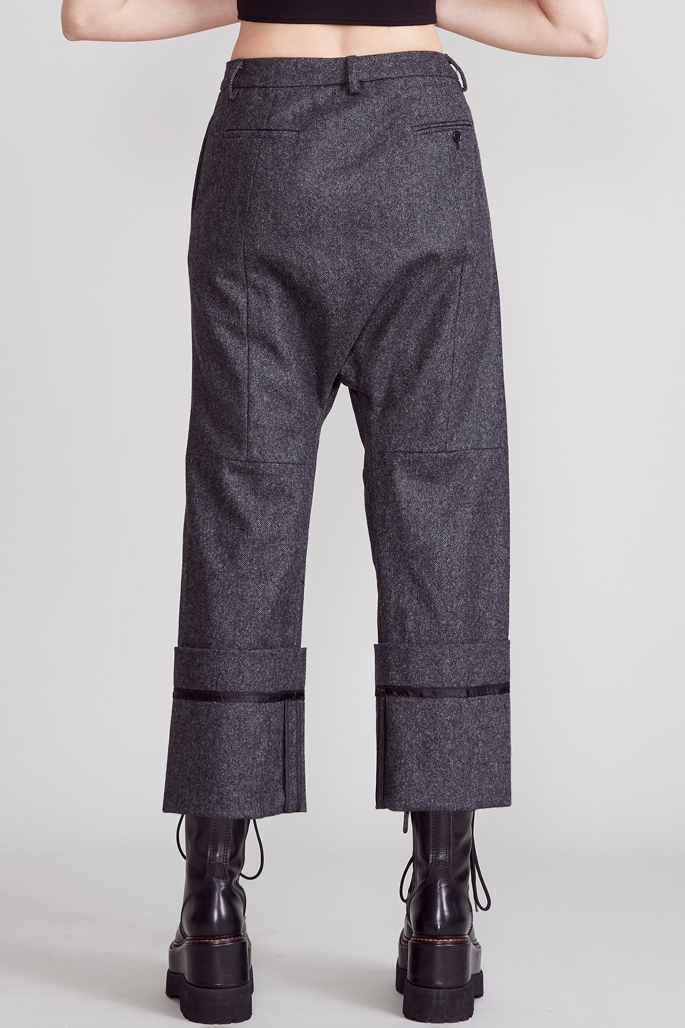 Tailored Crossover with wide Cuff - Charcoal