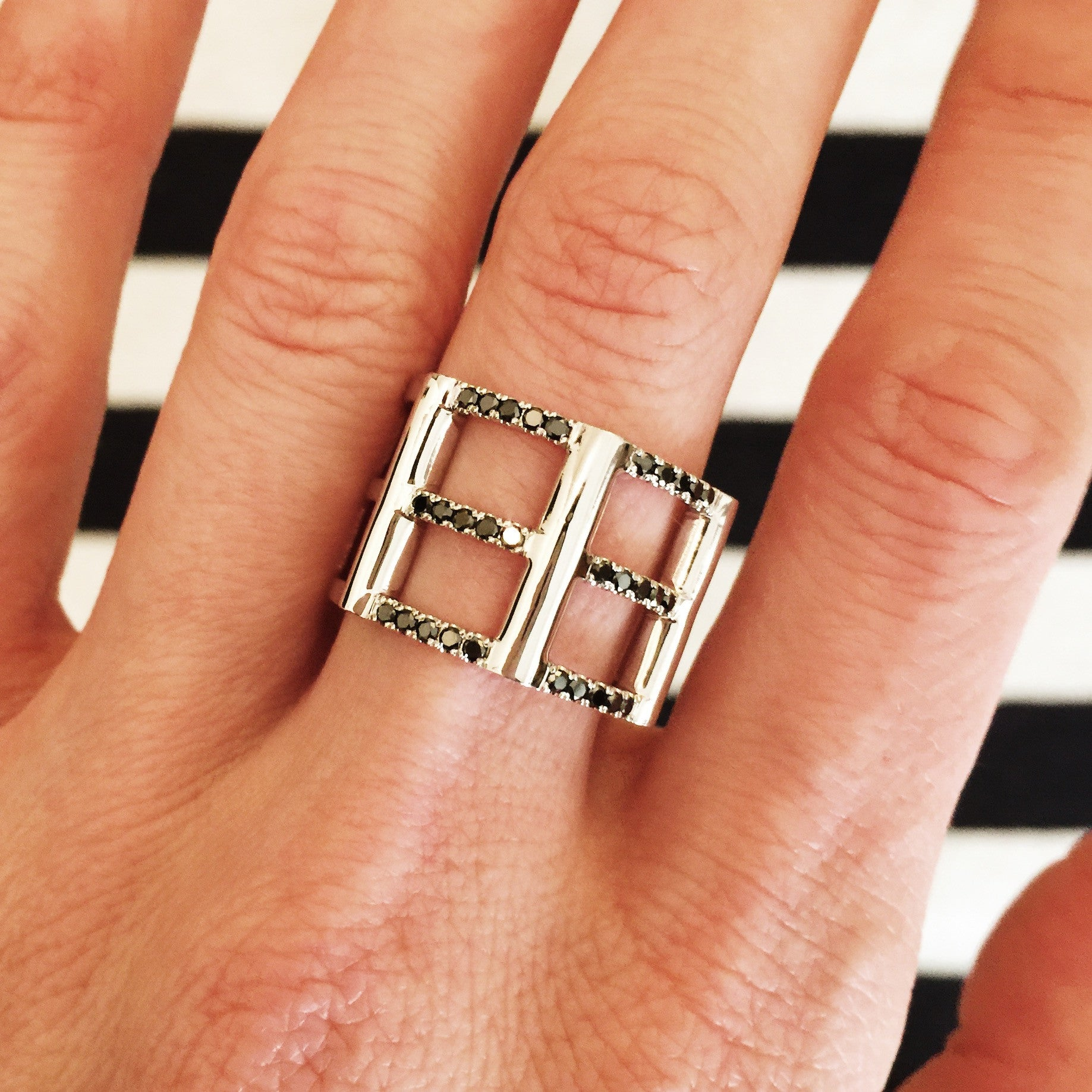 Cage Ring | White Gold with Black Diamonds