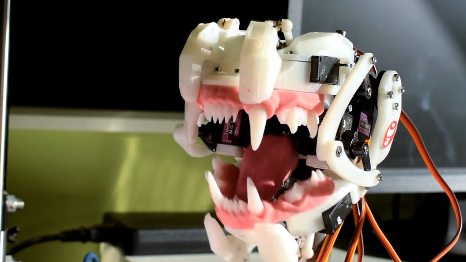 This Animatronic Mouth Mimics Speech With Servos
