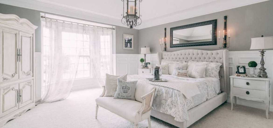 The shabby chic bedroom interior is basically a transformed elegant look of that traditional country room design we used to see in those classic romantic films