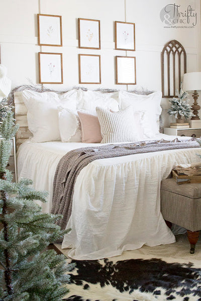 Pink And Gold Christmas Bedroom Decor (Tour 2019)
