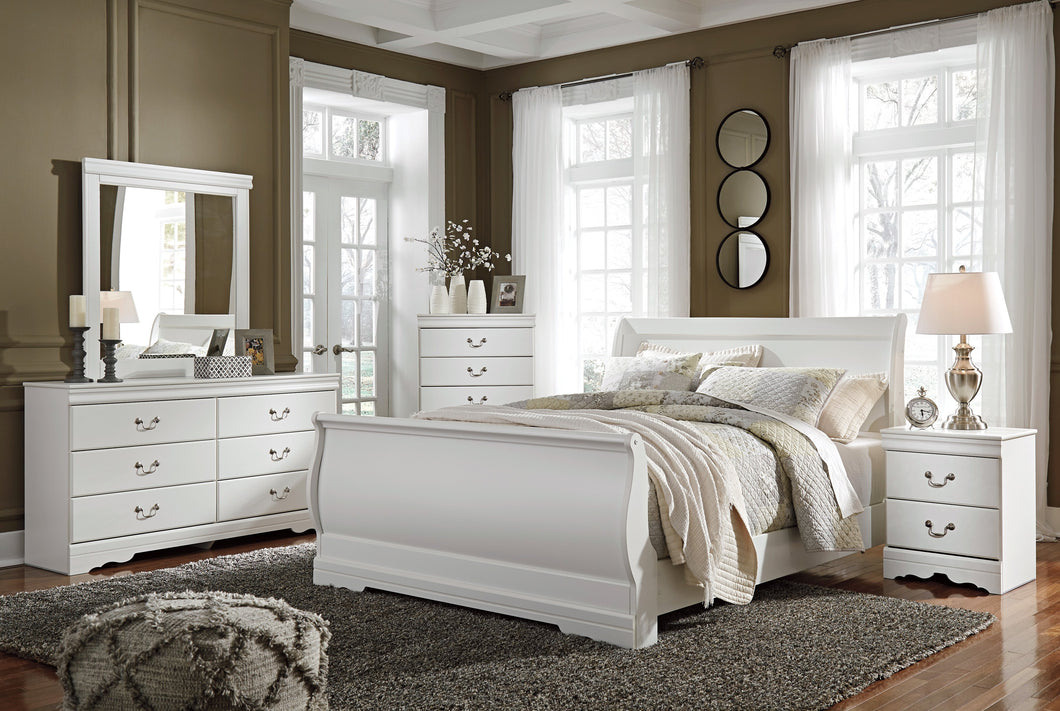 Anarena Traditional White Color Bedroom Set: Queen Sleigh Bed, Dresser, Mirror, Nightstand, Chest