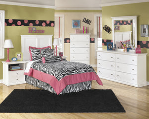 Buckwick Shoals Casual White Bedroom Set: Twin Headboard, Dresser, Mirror, 2 Nighstands, Chest