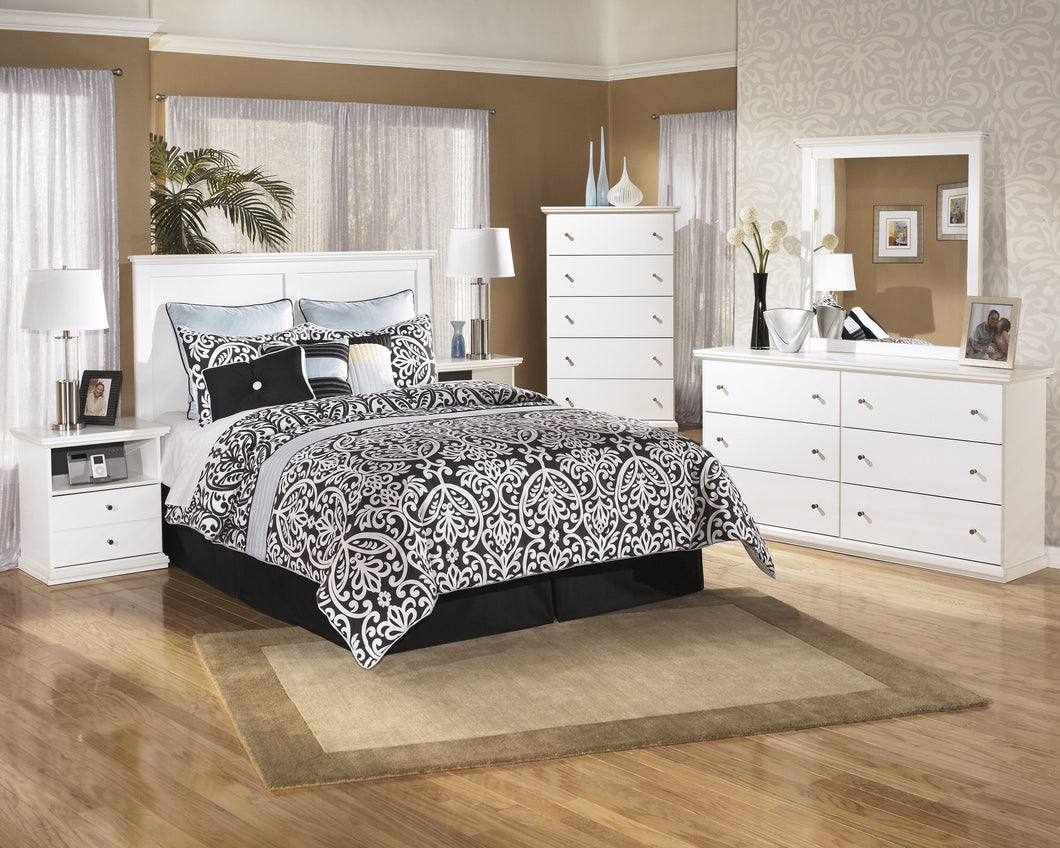 Buckwick Shoals Casual White Bedroom Set: King Headboard, Dresser, Mirror, 2 Nighstands, Chest