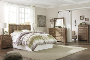 Blavilla Casual Brown Bedroom Set: Queen/Full Panel Headboard, Dresser, Mirror, 2 Nightstands