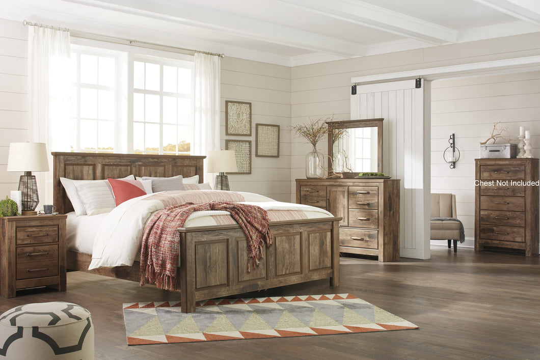 Blavilla Casual Brown Bedroom Set: King Panel Bed, Dresser, Mirror, Nighstand