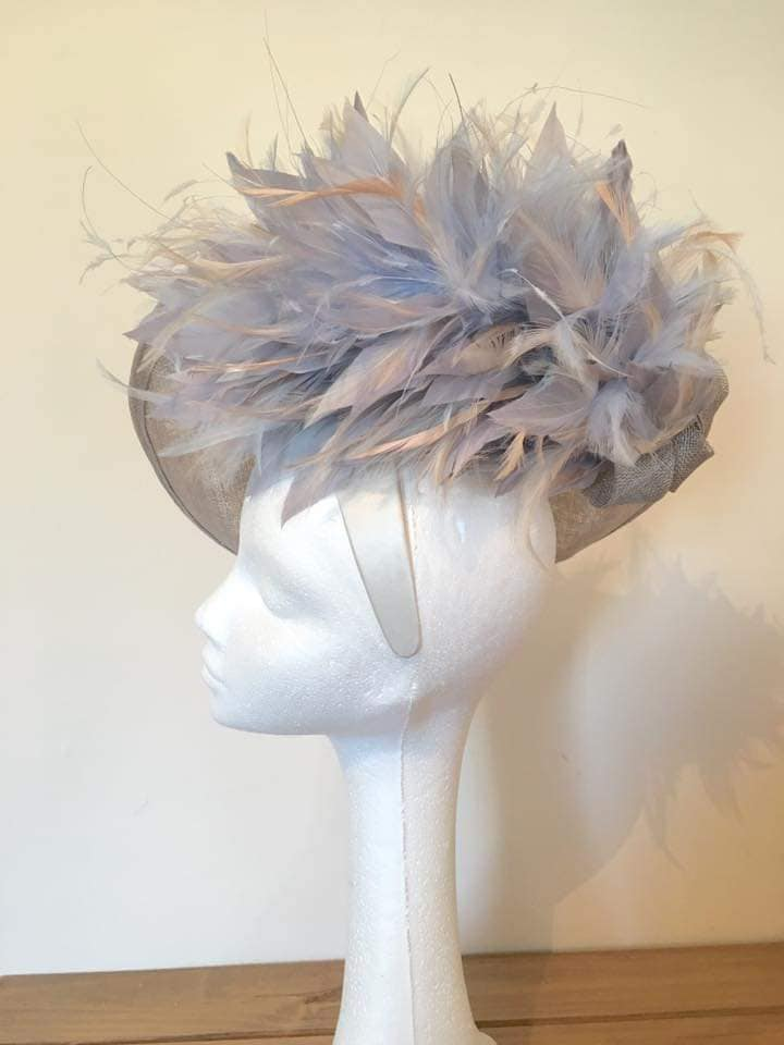 Grey Large Upturned Saucer Feathered Hatinator