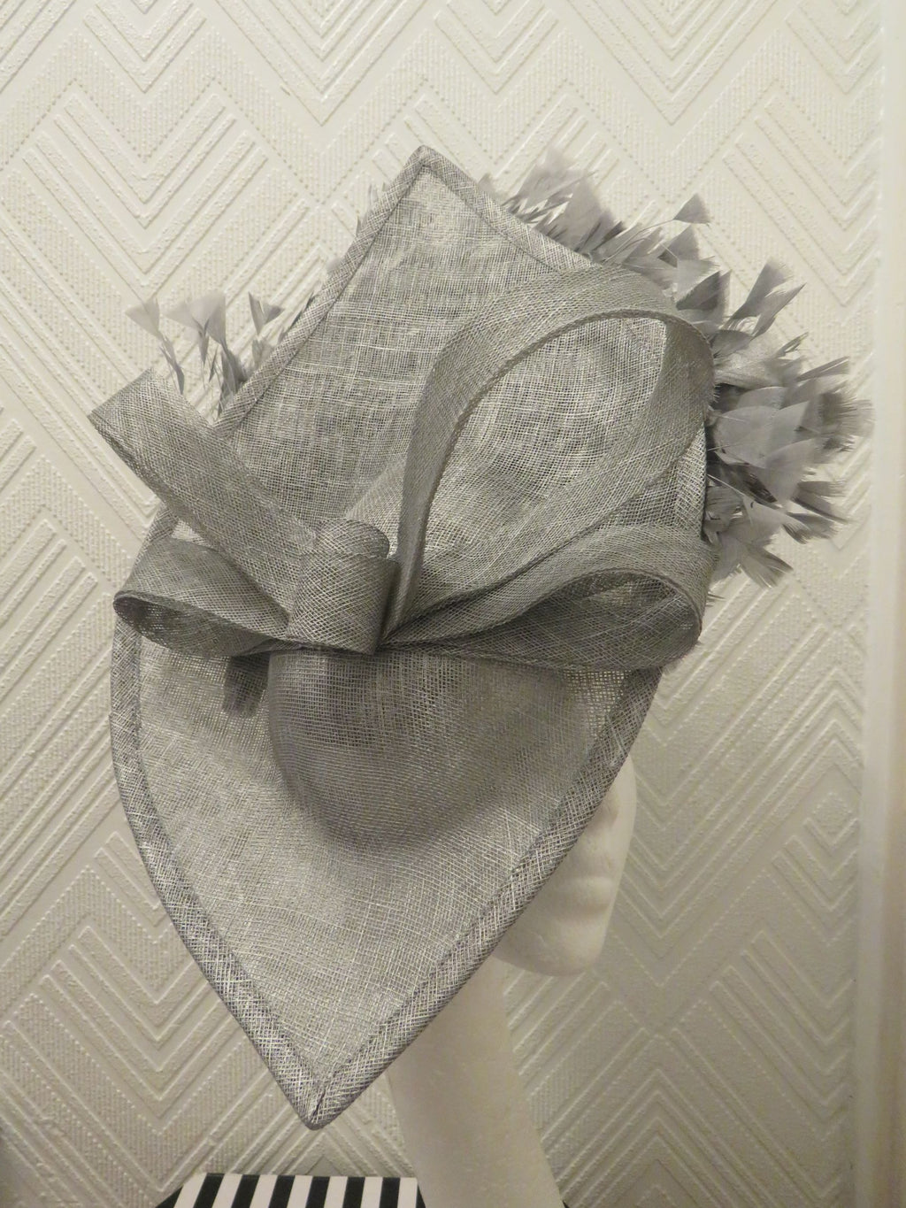 Silver Large Feathered Hatinator