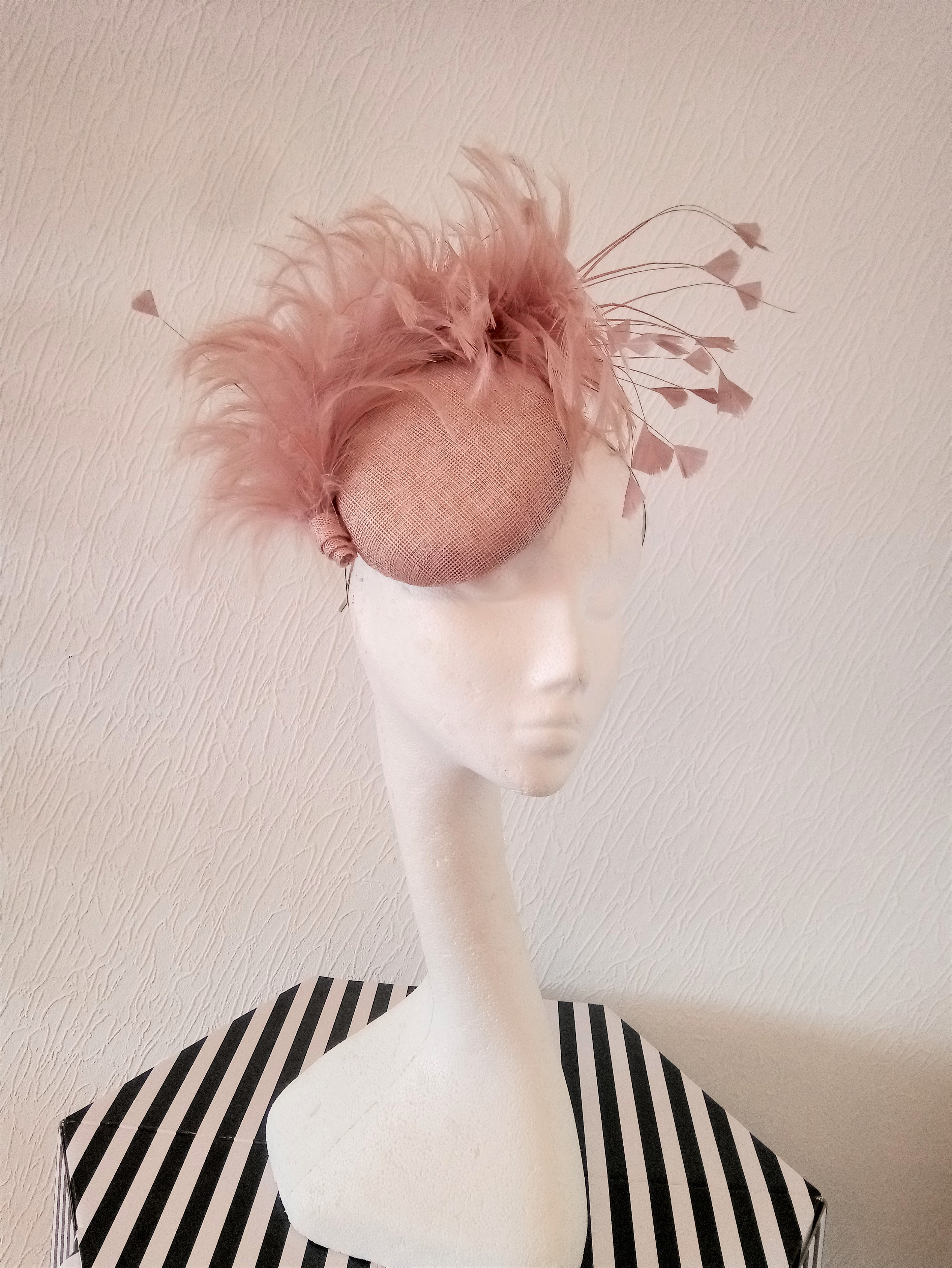 Nude Pink Small Button Fascinator