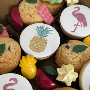 Tropical theme dessert box