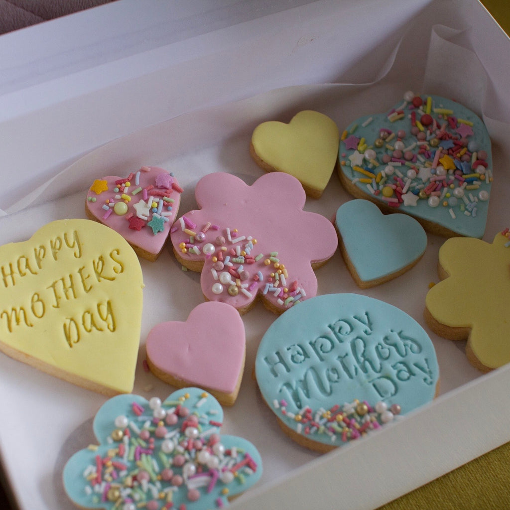 Mother's Day Shortbread Pack and flowers