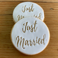 Load image into Gallery viewer, Just Married cookies
