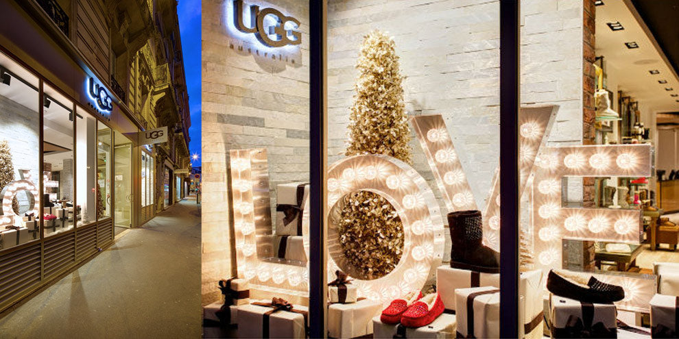 UGGs LOVE bulb sign