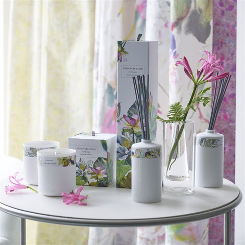 Nymphaea Sweet Pea And Sandalwood - Designers Guild