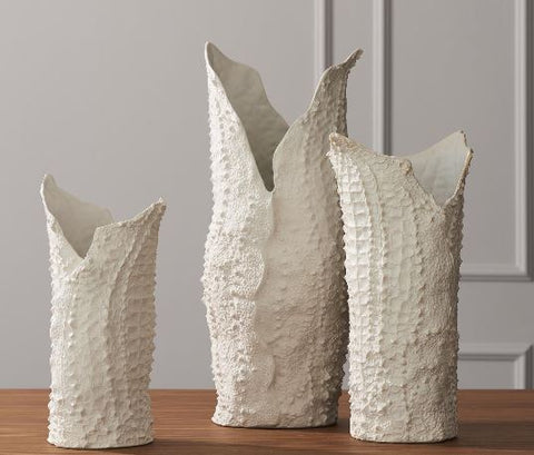 Crocodile Vase, Matte White - Global Views