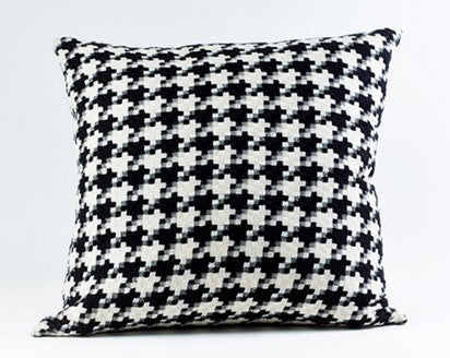 Le Chic Pillow - Ann Gish
