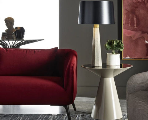 Magon Roni Round Accent Table - Universal Furniture