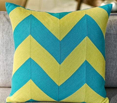 Slubby Linen Zig Zag Pillow - 22x22 - Ryan Studio