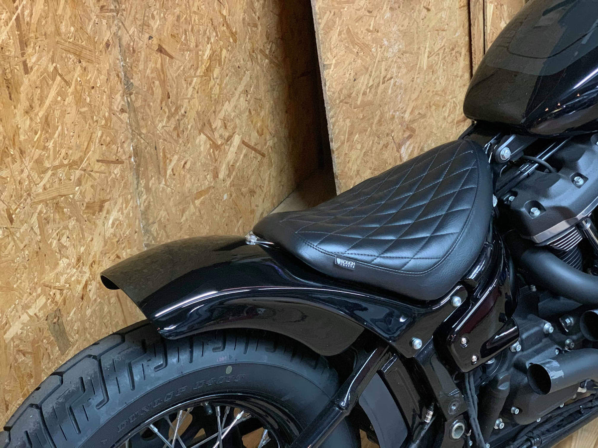 ROUGH CRAFTS Guerilla style fender for M8 softail 2018+