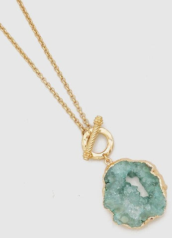 Agate Toggle Necklace in Green
