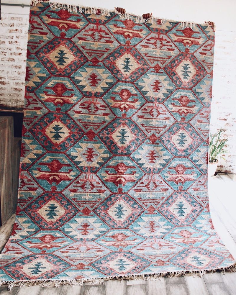 Story of Source handwoven Kust rug