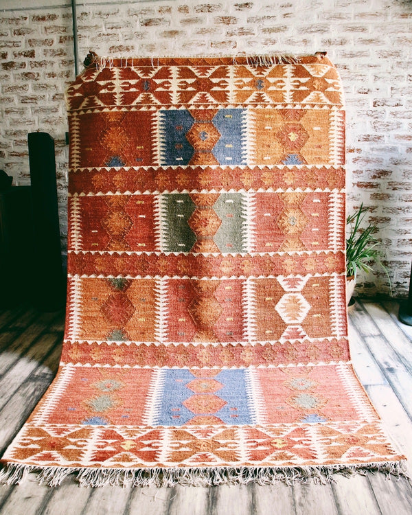Story of Source handwoven Tupil Rug